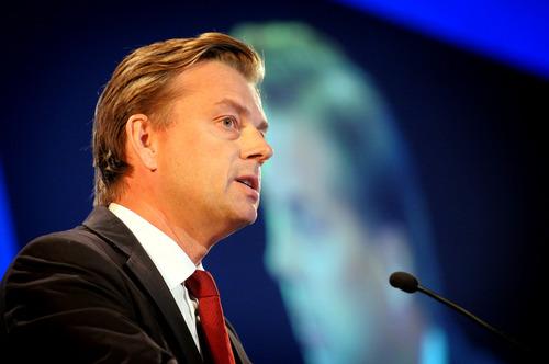 swedbank vd avgår