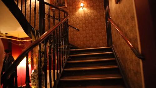 Man omkom efter att ha fallit flera våningar på nattklubb i Göteborg Fria Tider