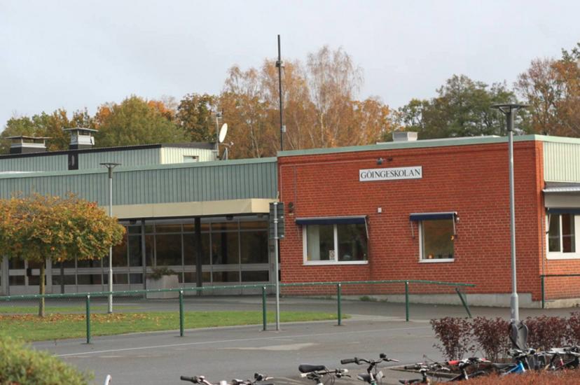 17 arig elev knivdodad pa skola